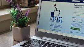 Facebook: así puedes ver los estados de tus contactos sin que ellos lo sepan