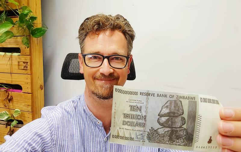 Manuel Porcar, ganador de un Ig Nobel